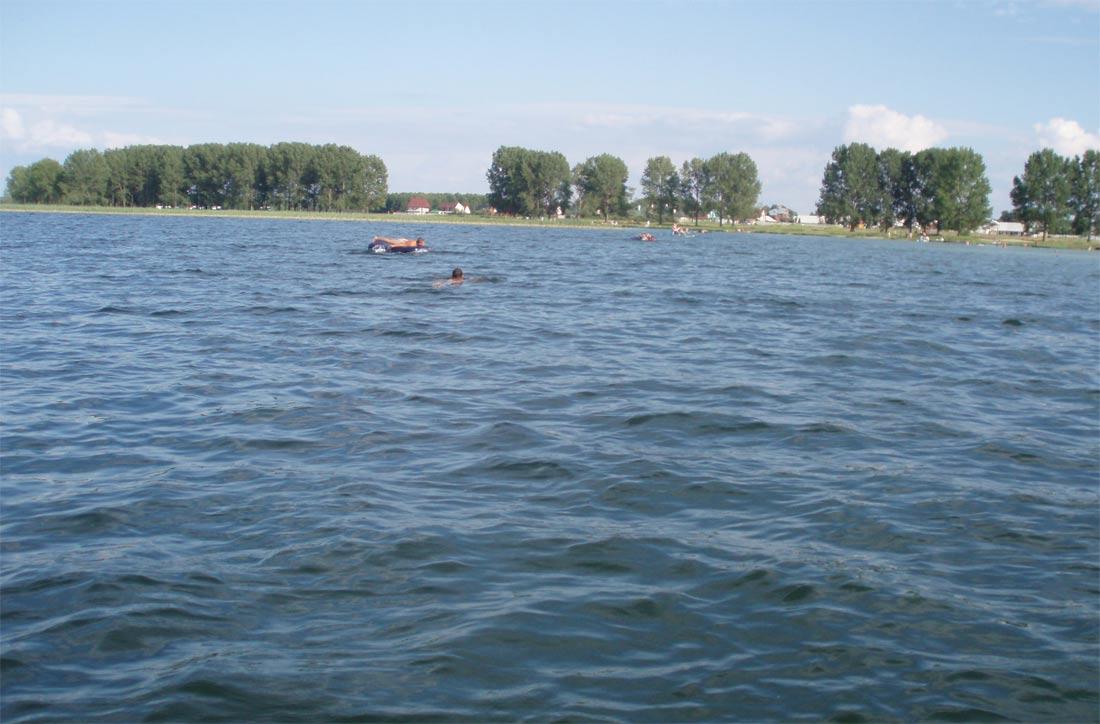 Опис Світязя природа характеристика географія туризм розповідь про озеро Світязь відпочинок на озері перекази легенда