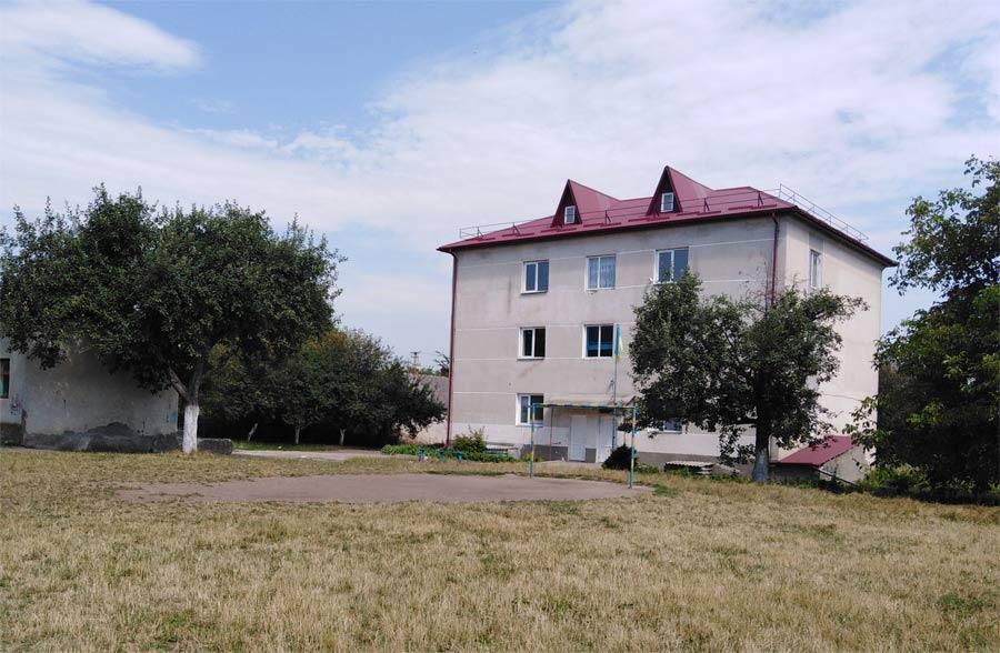 Школа у селі Яструбове, яструбівська школа Козівський район Тернопільської області