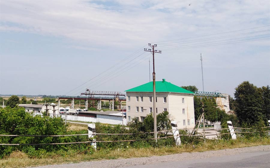 залізобетонний завод у селі Яструбове Козівський район розповідь фото опис підприємства виробництво бетону